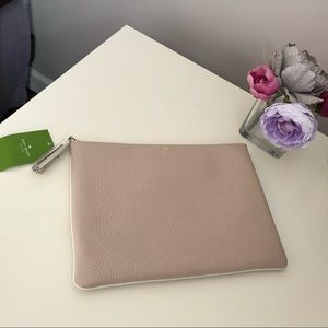 NWT Kate Spade Large Chester Street Gia Pouch